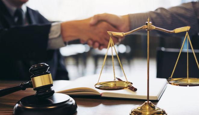 """""""La razón y la ley son sinónimos"""" .John Dewey Feliz Día Internacional del Abogado"""