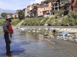 Sigue la búsqueda de cadáver de sexagenaria en el río Guaire