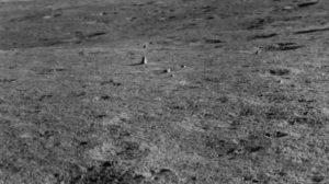 #Ciencia   Científicos chinos hallaron una extraña roca en la luna