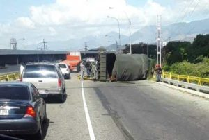 convoy-militar-foto-cortesia