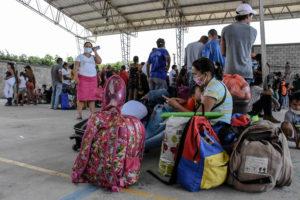 Más de 3.000 venezolanos desplazados por enfrentamientos Ejército - FARC