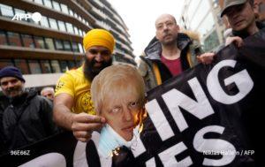36 detenidos y policías heridos dejaron protestas anticofinamiento en Londres