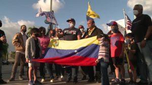 Venezolanos celebran y ya aplican al TPS en Estados Unidos