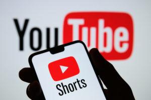 Shorts, la nueva función de YouTube que busca competir con TikTok