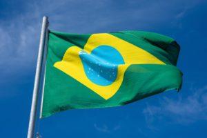 Municipio brasileño obligará que contagiados por covid-19 usen un brazalete