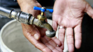 77% de los venezolanos no cuentan con suministro de agua, según encuesta