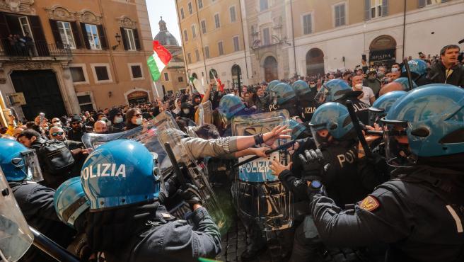 Comerciantes exigieron trabajo y libertad en Italia