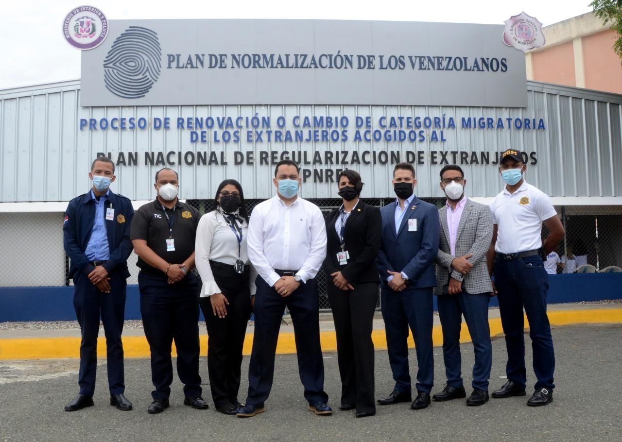 Más de 42 mil venezolanos inscritos en plan de regularización en Dominicana