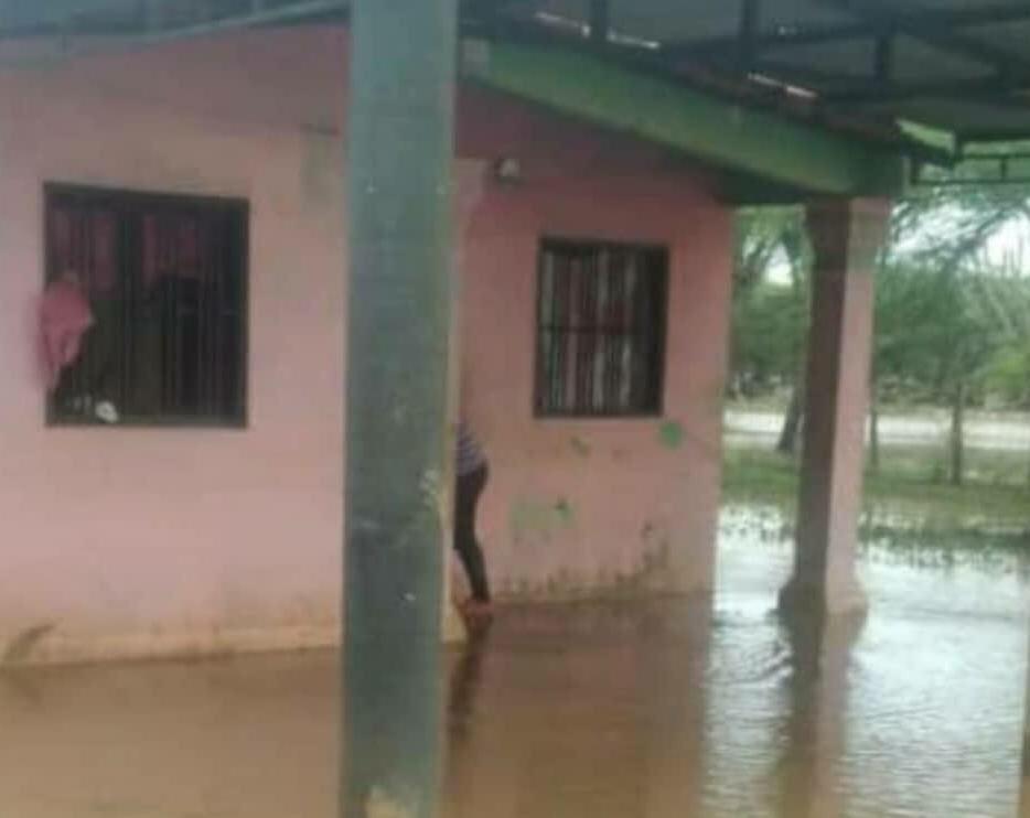Familias afectadas en Lara por el desborde del río Madre Vieja