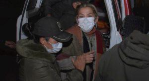 Extienden a un año detención de Jeanine Áñez