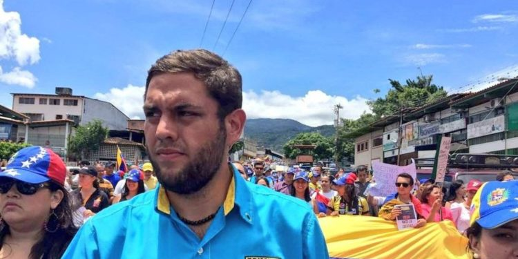 "Dirigentes políticos exigieron ""libertad plena"" para Juan Requesens"
