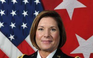 Laura Richardson se convierte en la primera mujer en liderar el Comando Sur