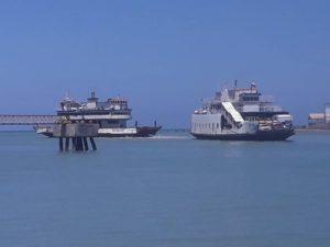Barco varado en las isla de Margarita, estado Nueva Esparta. Foto: Cortesía