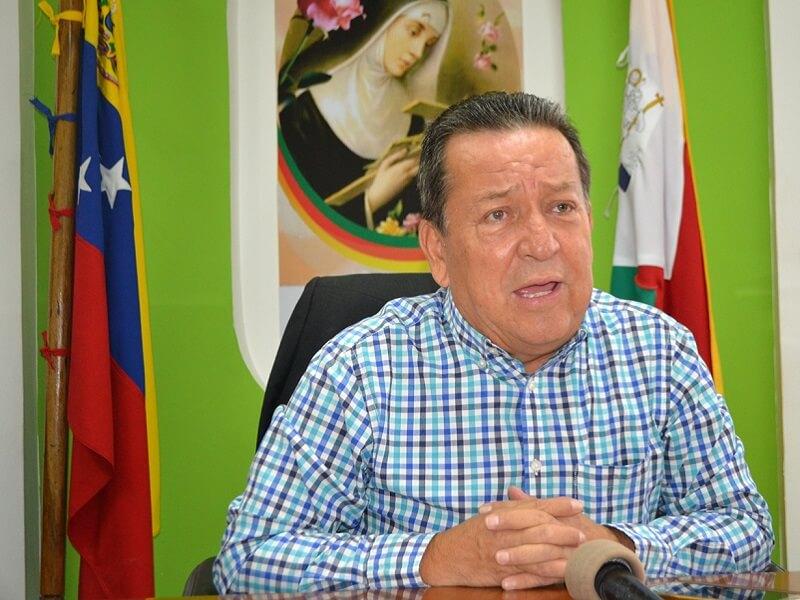 Gustavo Delgado.