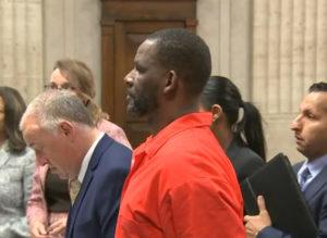 R. Kelly en juicio por tráfico sexual. Foto: Twitter