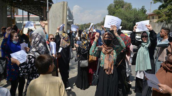 Talibanes Protestas Afganistán manifestaciones