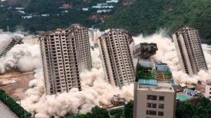 Demolición de 15 edificios en China. Foto: Twitter