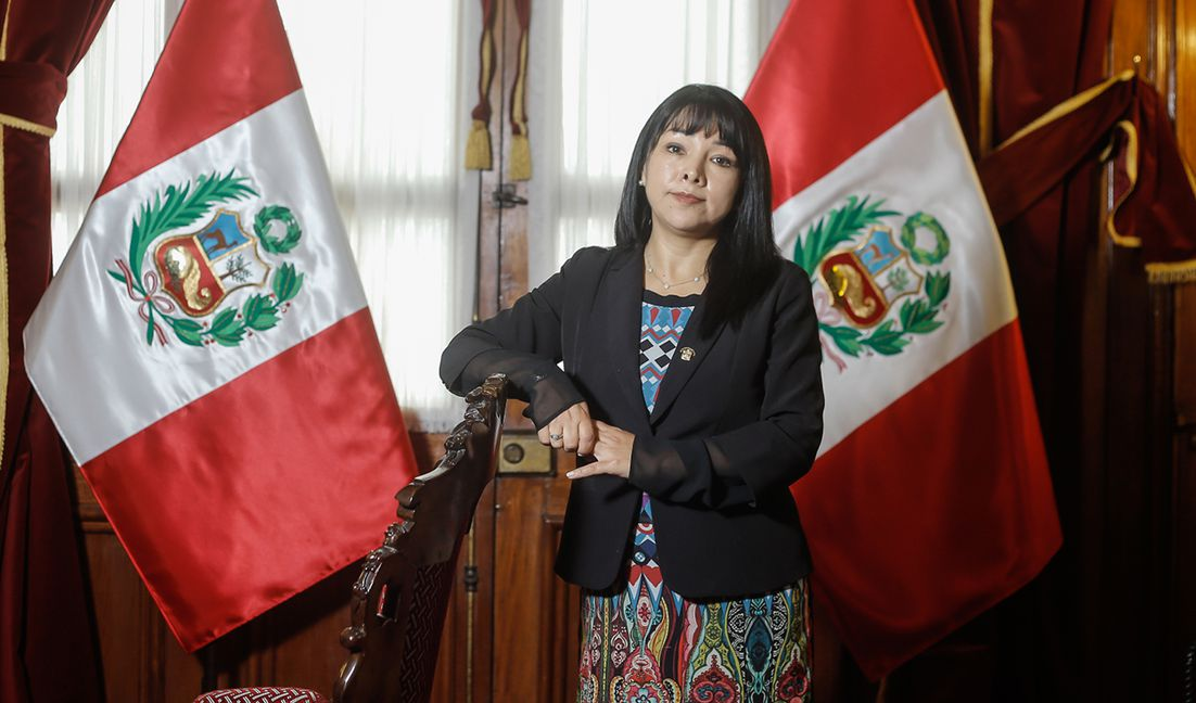 Mirtha Vásquez dirigió la Mesa Directiva del Congreso en el período anterior. Foto: Antonio Melgarejo/La República