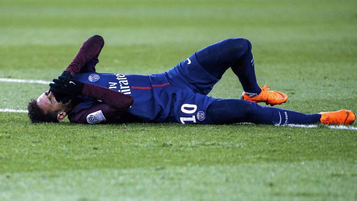 Neymar se volvió a lesionar