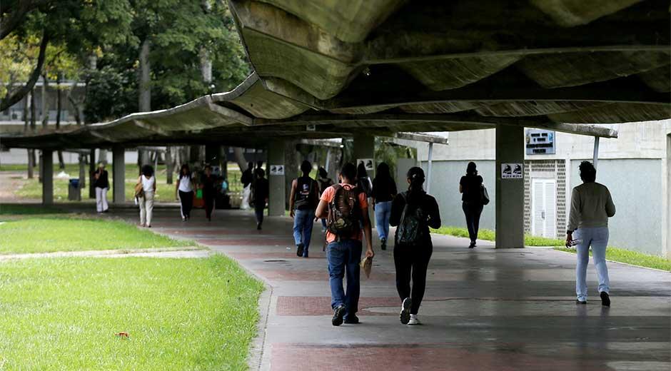 Estudiantes UCV | Foto: El Mercurio web
