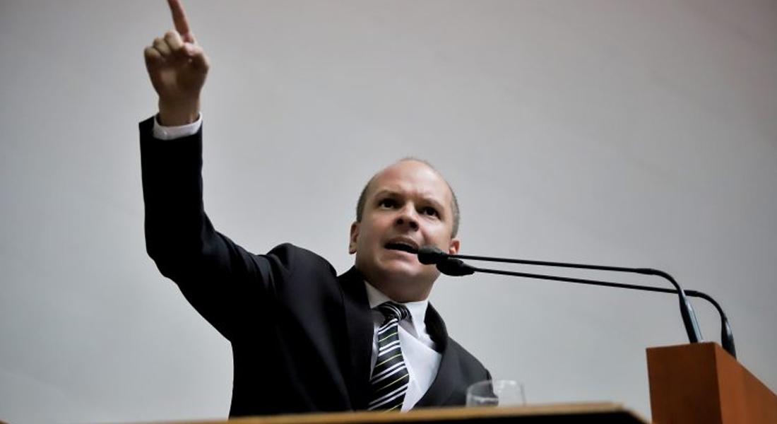 """Ángel Medina tildó de """"irresponsable"""" a presidente de México por sus medidas ante el covid-19"""