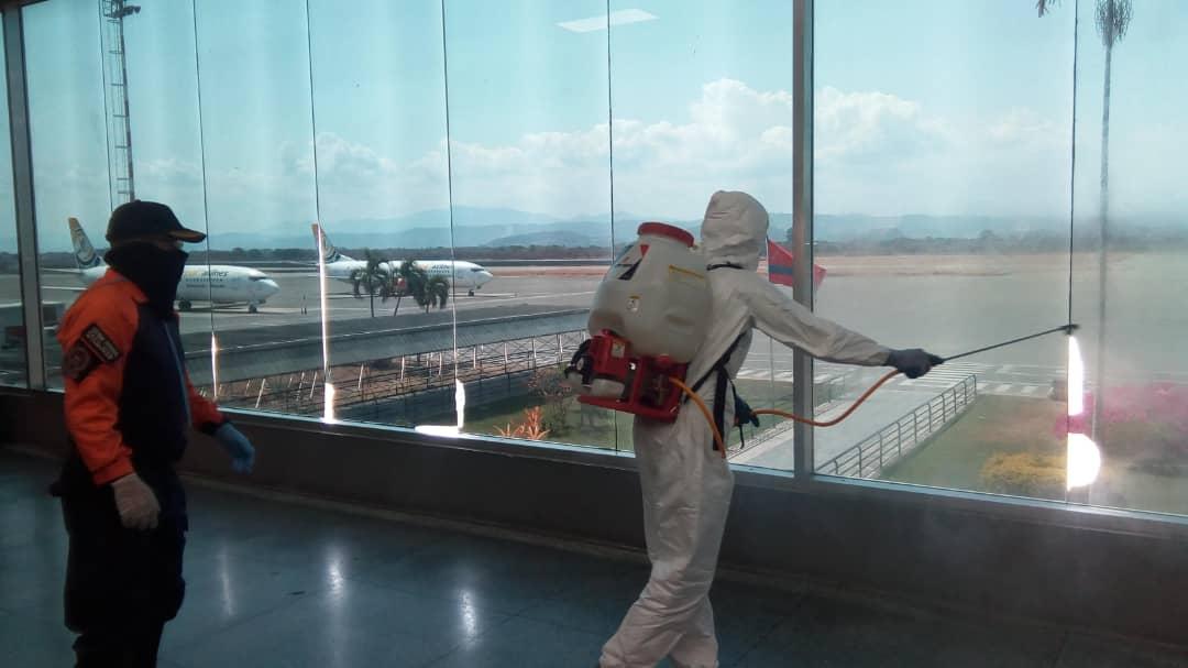 Realizaron jornada de desinfección en aeropuerto internacional Arturo Michelena (Carabobo)