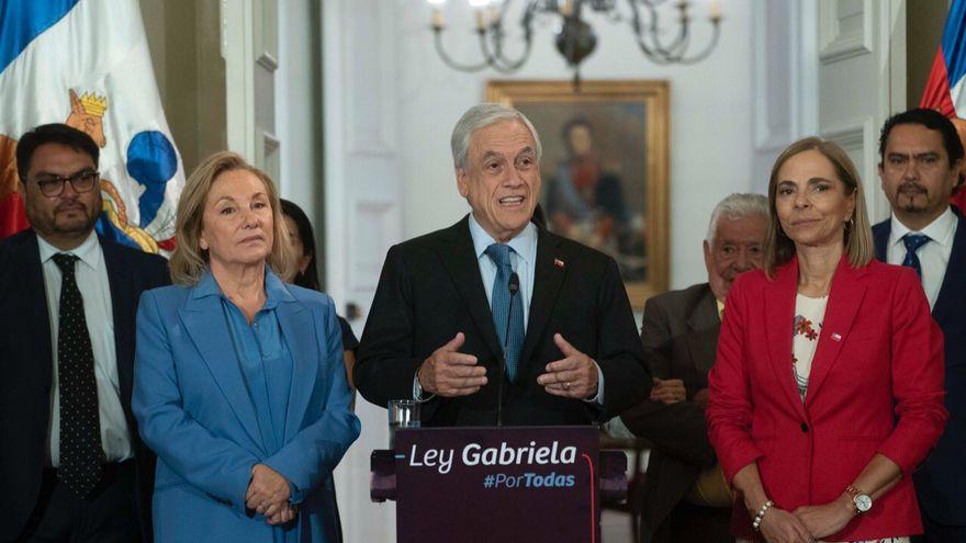 """Presidente de Chile, Sebastián Piñera, durante promulgación de la llamada """"Ley Gabriela"""" contra el abuso sexual hacia feminas. Foto: Telemetro"""