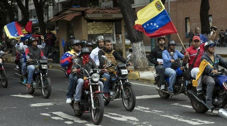 Grupos irregulares chavistas o colectivos