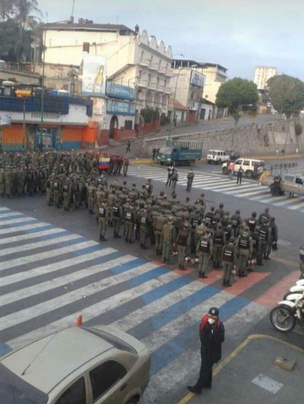 cerraron comercios en Catia y Petare   Foto: Cortesía