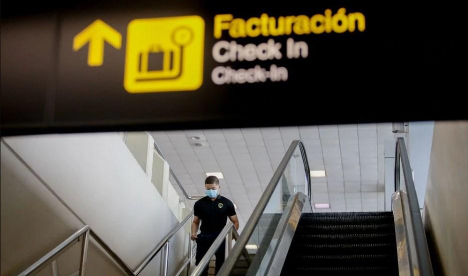 Panamá prohibirá ingreso y salida de vuelos internacionales en lucha contra COVID-19