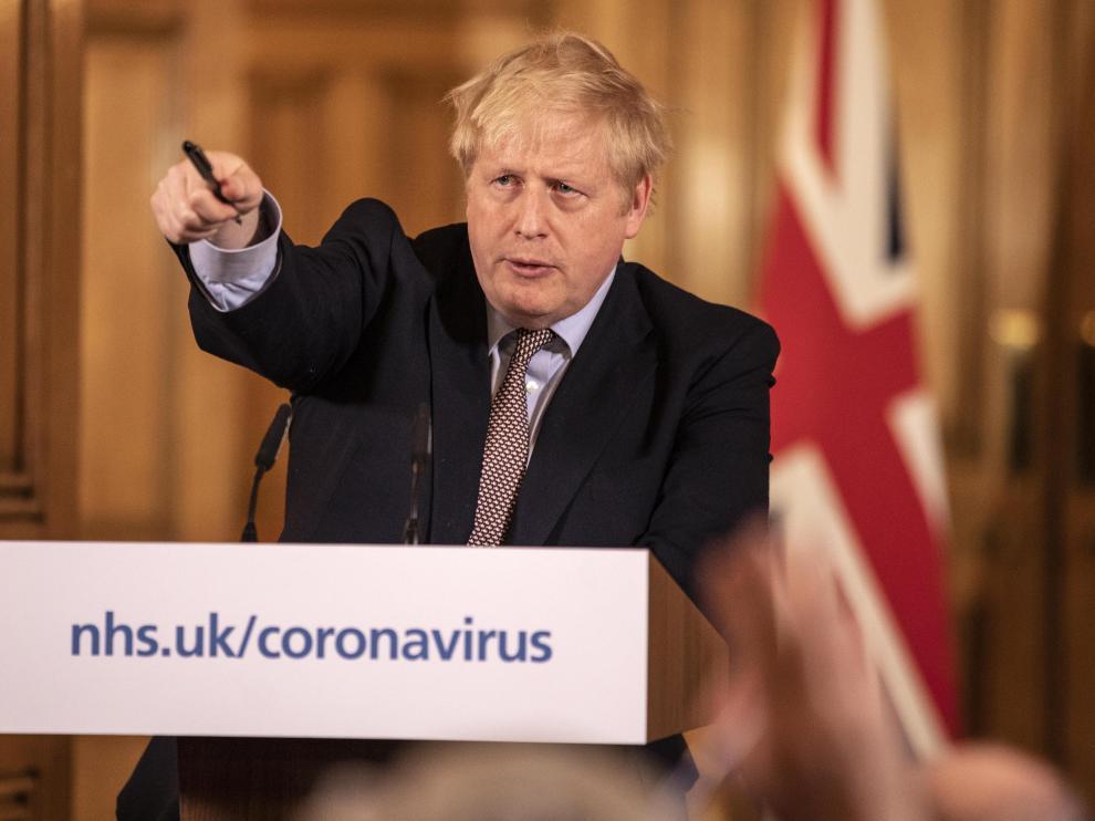 Reino Unido anunció cierre de colegios en combate contra COVID-19