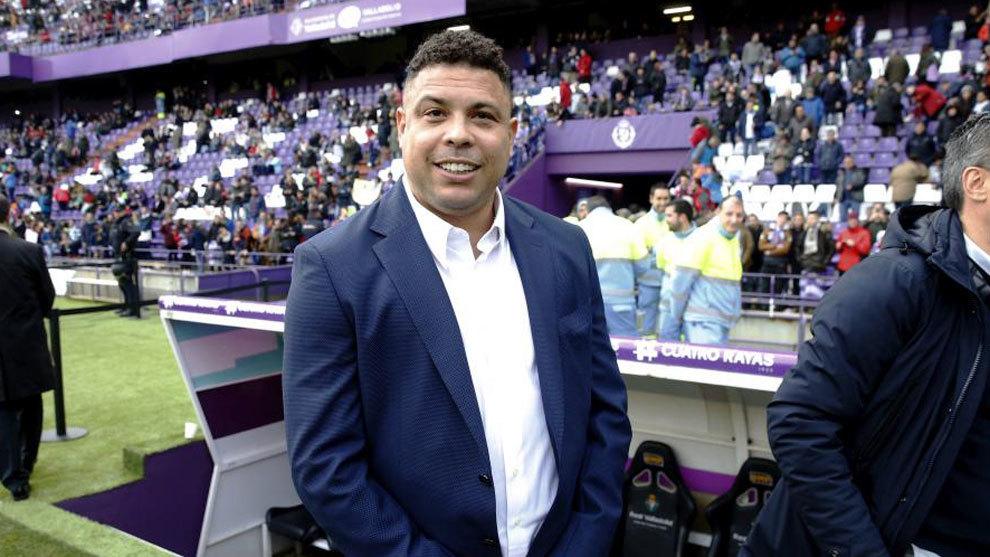 Ronaldo Nazario en el estadio de su club, el Valladolid de España