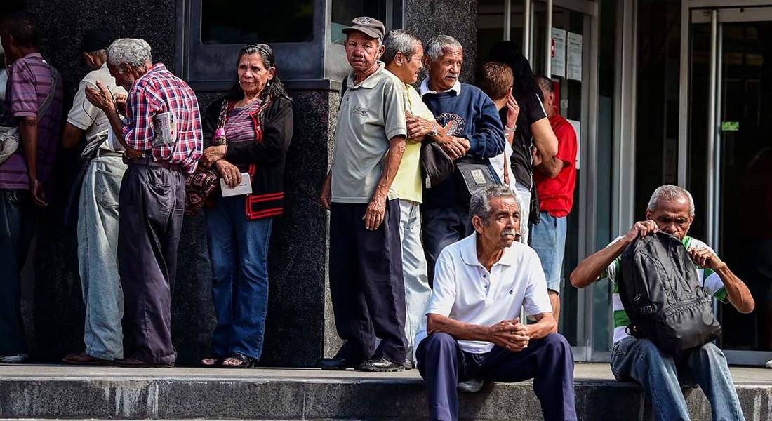 Jubilados y pensionados rechazaron aumento salarial anunciado por Maduro