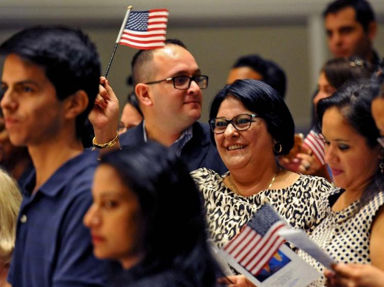 EEUU suspendió emisión de permisos de residencia permanente para inmigrantes