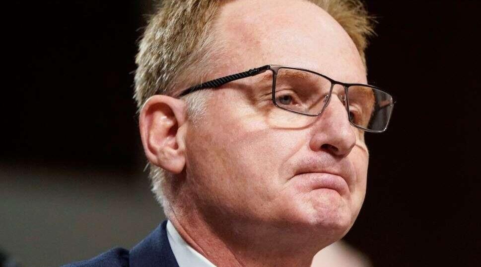 Secretario (i) de la Armada de EEUU renunció tras escándalo por brote de COVID-19