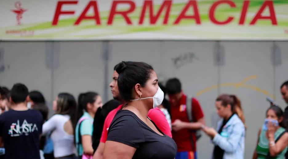 Reposición de inventarios en farmacias en riesgo por escasez de combustible