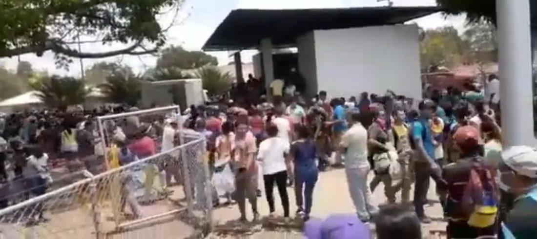 Dispersaron con disparos protestas en operativo de alimentos en el Furrial
