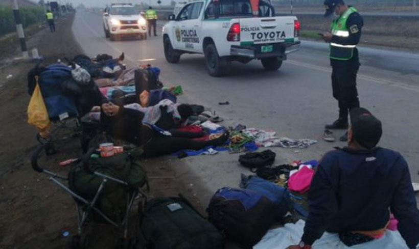 Dos migrantes venezolanos murieron arrollados en Perú camino a su país