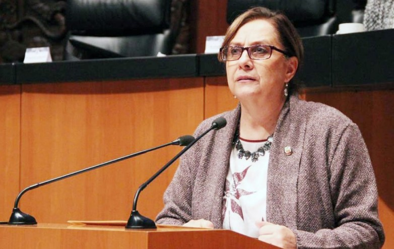 Escándalo en México: senadora participó por error desnuda en reunión legislativa
