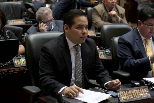 Sergio Vergara renunció