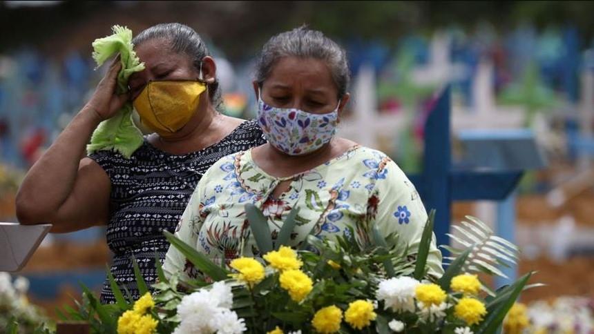 Brasil superó los 56.000 fallecidos por covid-19