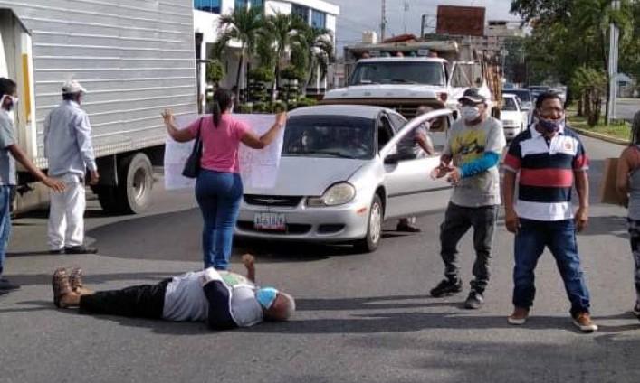 Arrollaron a dos personas en protesta de pacientes renales en Acarigua (Portuguesa)