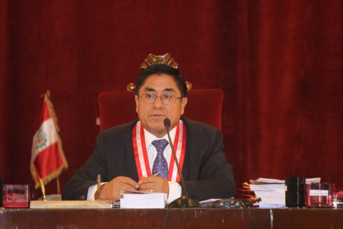 César Hinostroza - España