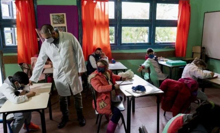Uruguay es el primer país de Latinoamérica que retoma clases presenciales en medio de la pandemia