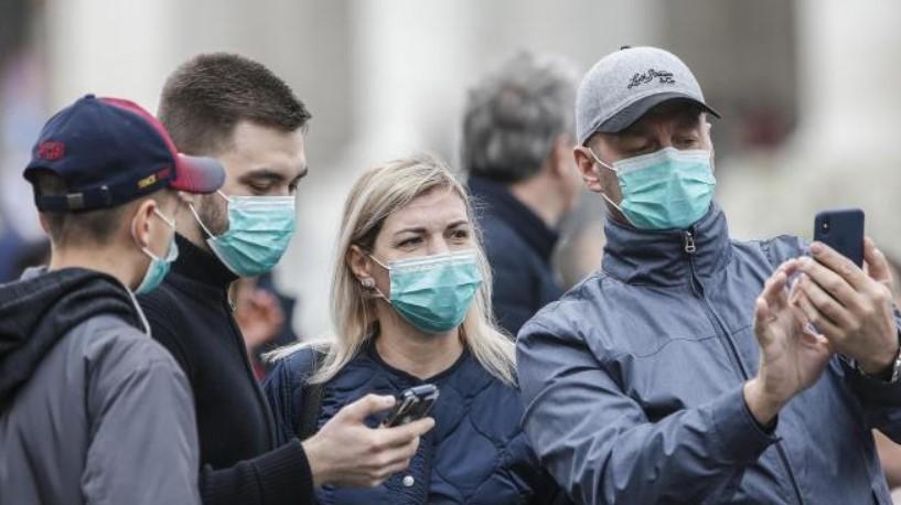 Buscan frenar el repunte: mascarilla obligatoria en Francia a partir de este lunes