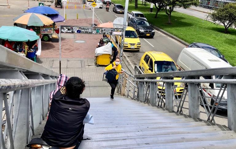 Venezolanos en Bogotá deben pedir en las calles para pagar su arriendo