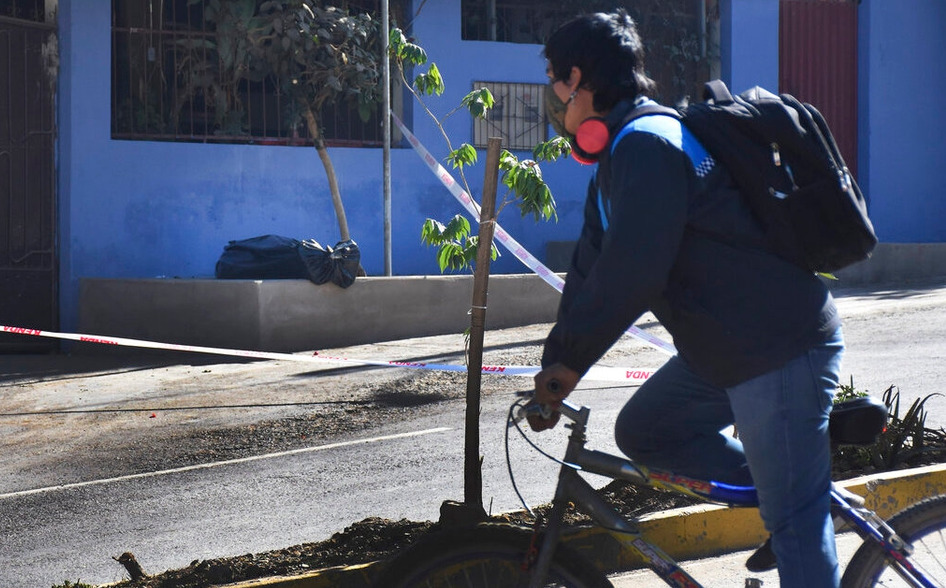 Colapsado sistema funerario en Bolivia: cuerpos sin vida por covid-19 pasan días antes de ser enterrados