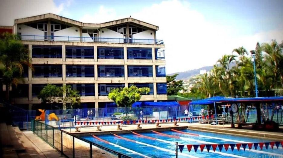 30 años de prisión contra exprofesor de natación del colegio Emil Friedman por violación a menor de edad