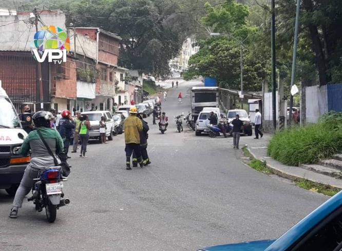 Incendio en sector Simón Rodríguez de Caracas
