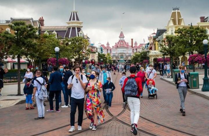 Disneyland París reabre tras más de tres meses de cierre